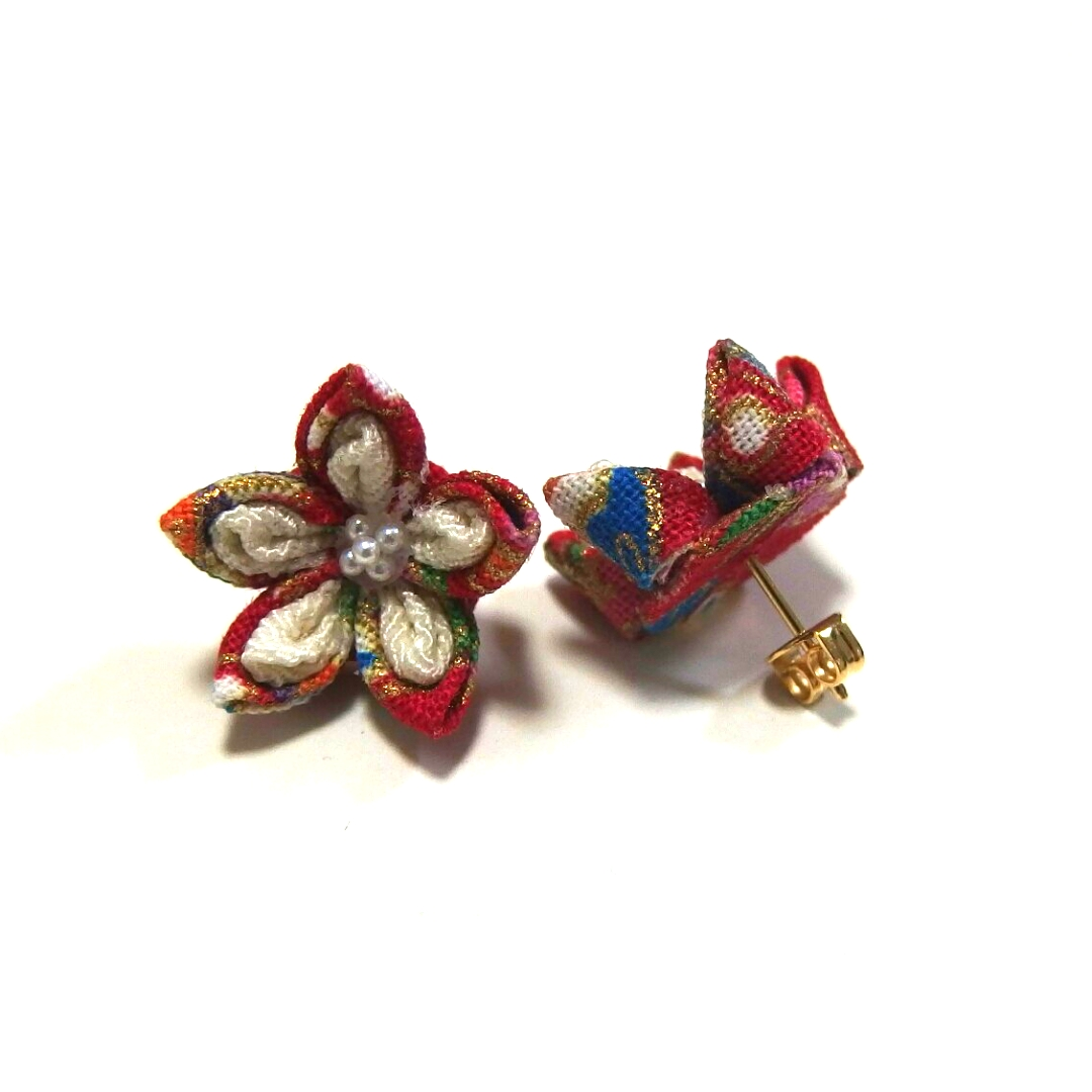 Tsumami flower earrings