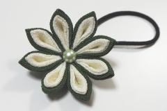Tsumami flower hair tie